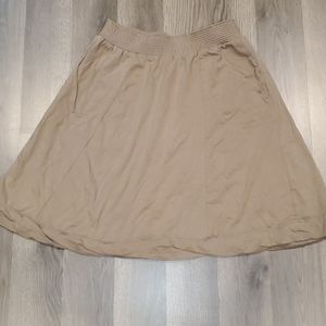 Tan skirt with pockets